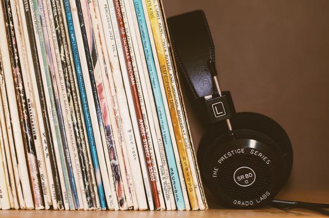 headphones-2588235_960_720